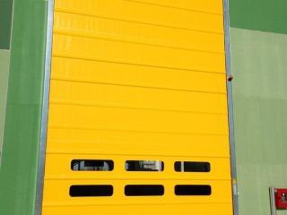 Porte rapide personnalisée jaune avec hublots modèle Belt