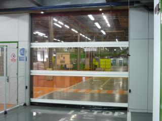 Porte rapide industrielle avec tablier translucide Run