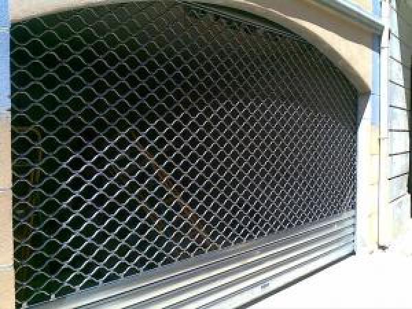 Tablier en tubes ondulés galvanisés